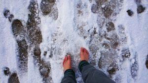 Kein schöner Schnee: hart gefroren und scharfkantig