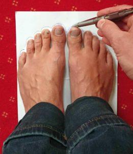 Fußumrisse aufzeichnen